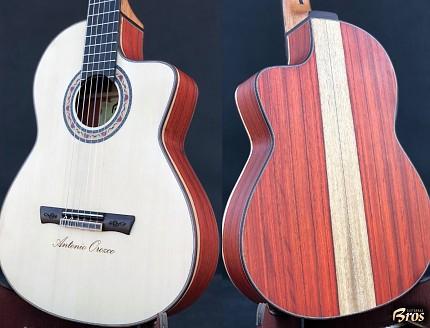 Guitarra personalizada para Antonio Orozco con tallado en la tapa y puente.