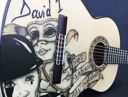 Guitarra personalizada con Impresión de Vinilo.