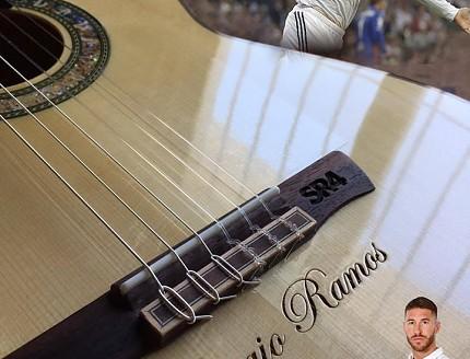 Guitarra personalizada para Sergio Ramos