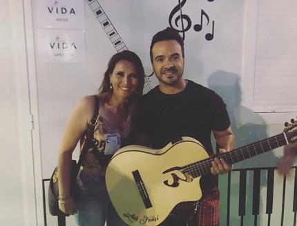 Presentación de la nueva guitarra Bros de Luis Fonsi !